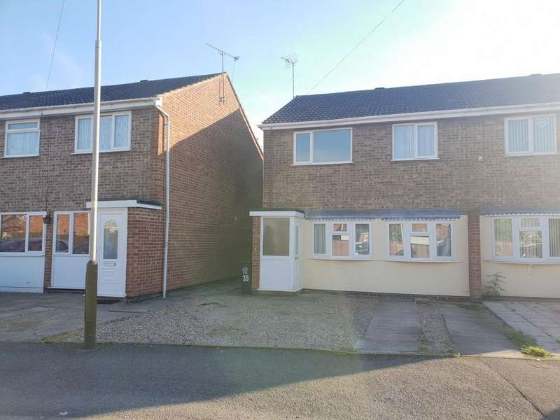 3 Bedrooms Semi Detached House for sale in Christopher Drive, Thurmaston, Leicester