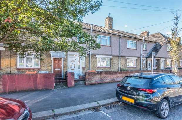 3 Bedrooms Maisonette Flat for sale in Lonsdale Avenue, Eastham, London