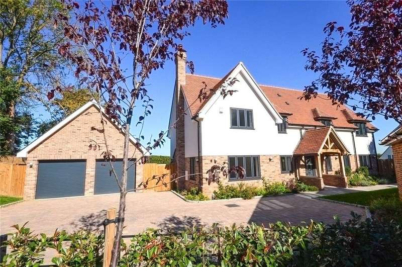 5 Bedrooms Detached House for sale in The Pastures, Bishop's Stortford, Hertfordshire, CM23