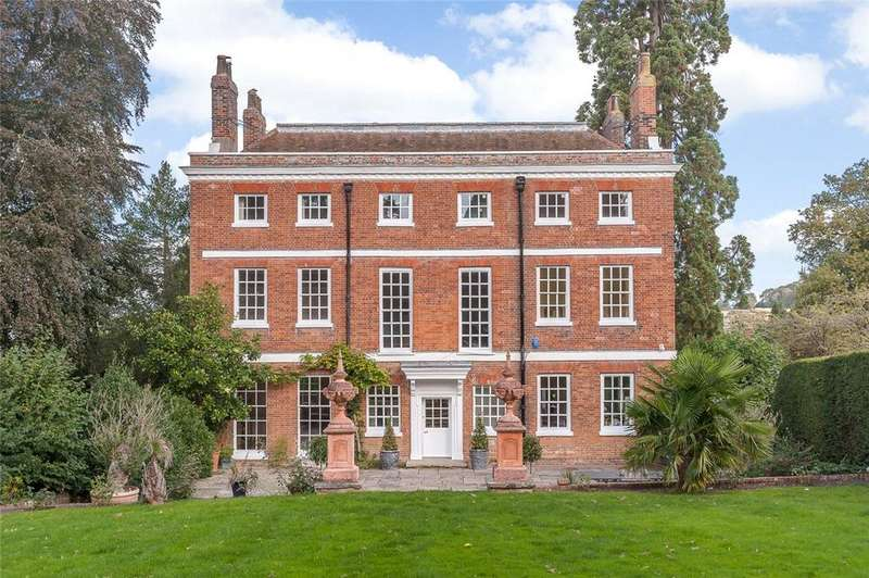 8 Bedrooms Detached House for sale in Queen Street, Castle Hedingham, Halstead, CO9