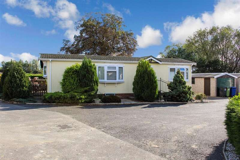 2 Bedrooms Detached Bungalow for sale in Harpswell Hill Park, Hemswell, Gainsborough