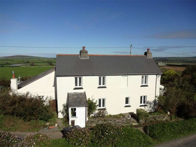5 Bedrooms Detached House for sale in Long Lane, Berry Down