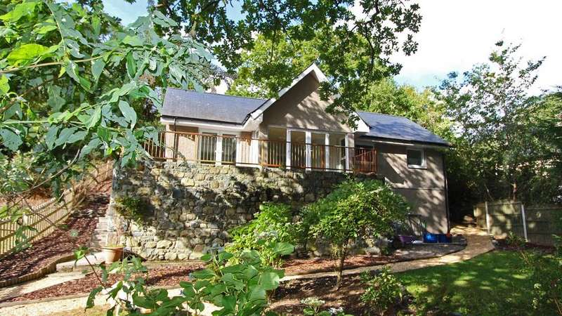 2 Bedrooms Detached Bungalow for sale in Llanbedr, LL45