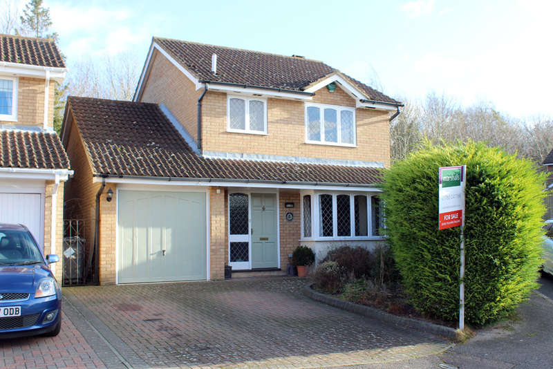 3 Bedrooms Detached House for sale in Foxglove Bank, Royston