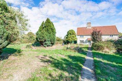 3 Bedrooms Detached House for sale in West Row, Bury St Edmunds, Suffolk