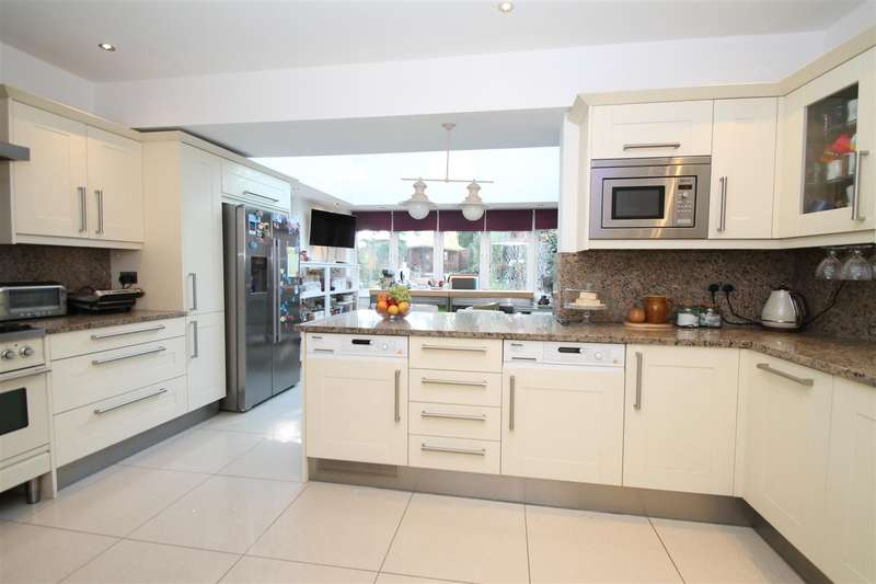 4 Bedrooms End Of Terrace House for sale in Bourne Hill, London N13