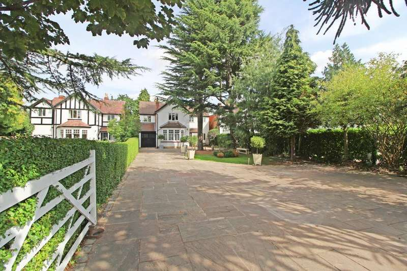 4 Bedrooms Detached House for sale in CHEADLE HULME / BRAMHALL BORDER ( ACRE LANE )