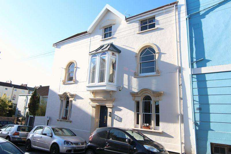 4 Bedrooms End Of Terrace House for sale in Anglesea Place, Clifton