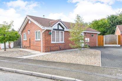 2 Bedrooms Bungalow for sale in Aviemore Drive, Cinnamon Brow, Fearnhead, Warrington