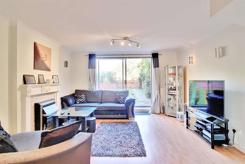 4 Bedrooms Terraced House for sale in Bethwin Road , London , SE5 0YY