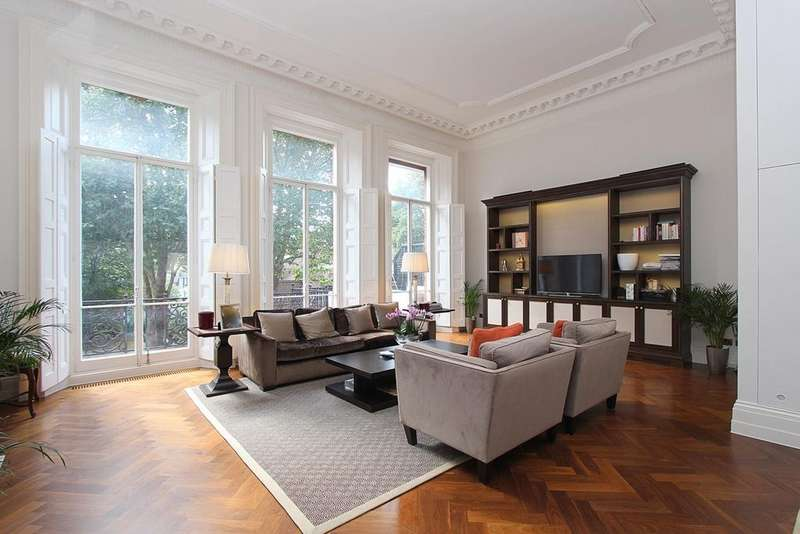 3 Bedrooms Flat for sale in Cadogan Square, Knightsbridge, SW1X