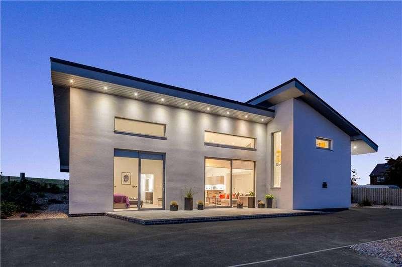 3 Bedrooms Detached House for sale in Burdock, 16A Malton Road, Hunmanby, Filey, YO14