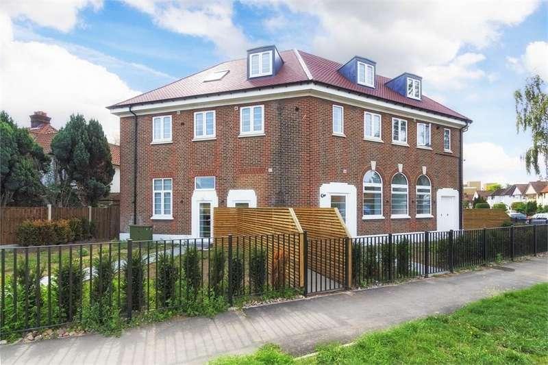 1 Bedroom Flat for sale in Grand Approach, 2 Bathurst Walk, Richings Park, Buckinghamshire
