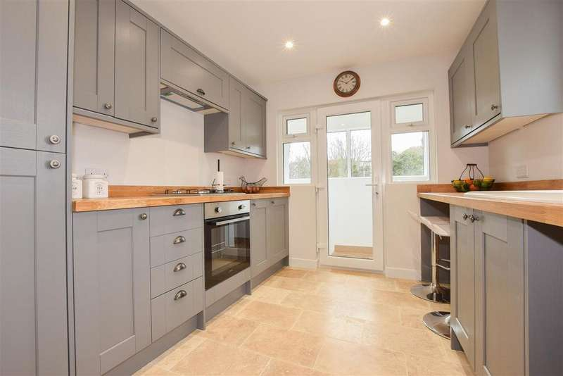 3 Bedrooms Detached Bungalow for sale in Bexhill Road, St. Leonards-On-Sea