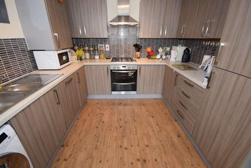 4 Bedrooms Semi Detached House for sale in Bridgefold Road, Rochdale OL11