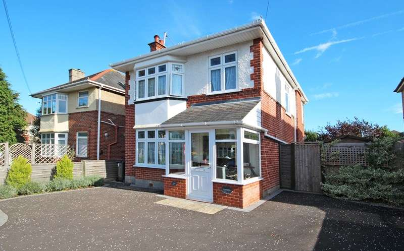 4 Bedrooms Detached House for sale in Corhampton Road, Boscombe East, Bournemouth