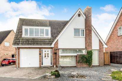 4 Bedrooms Detached House for sale in Lorraine Road, Wootton, Bedford, Bedfordshire