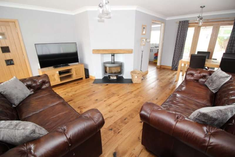 3 Bedrooms Detached Bungalow for sale in Drumside Terrace, Bo'ness, EH51