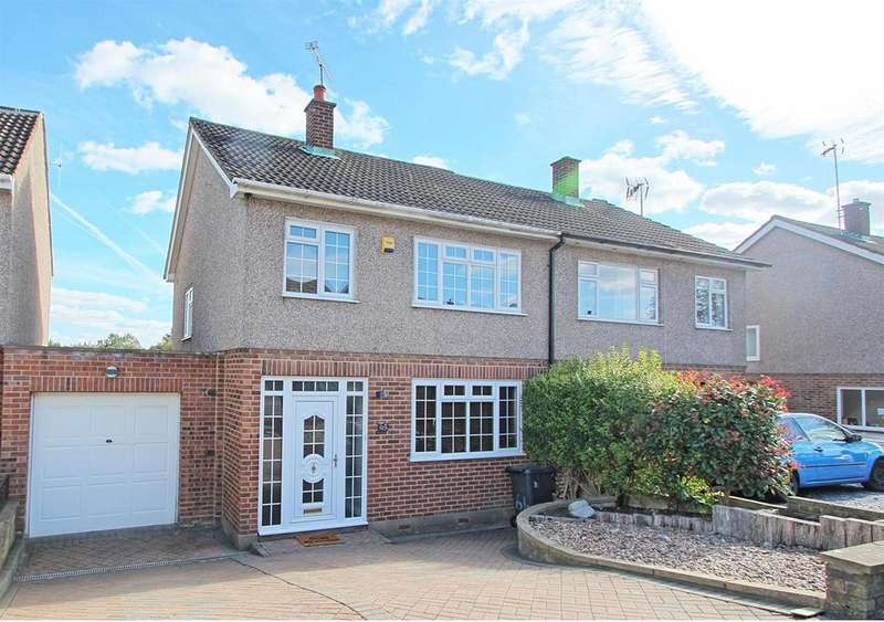 3 Bedrooms Semi Detached House for sale in KINGSWAY, WARE