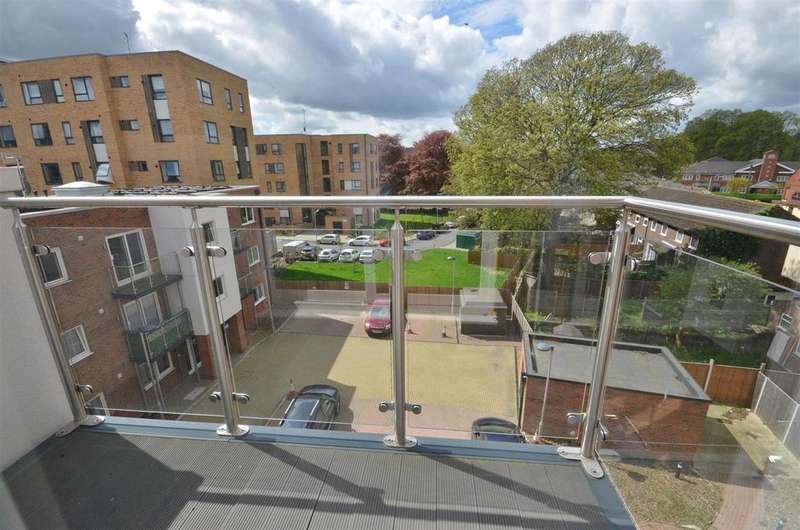 1 Bedroom Apartment Flat for sale in Highview court, Dudley Street