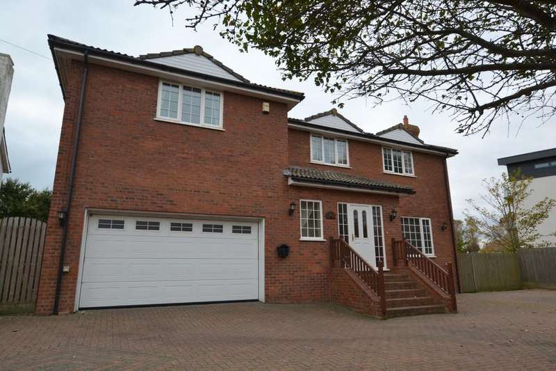 5 Bedrooms Detached House for sale in Hythe Road, Dymchurch, Kent
