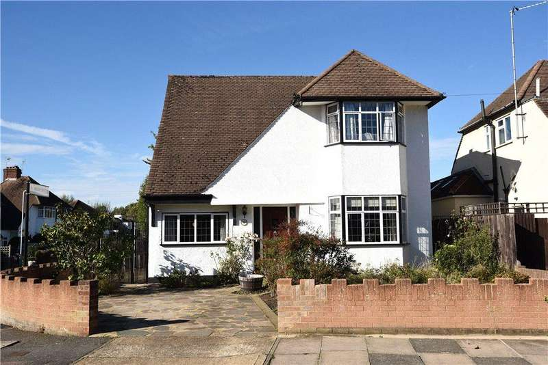 3 Bedrooms Detached House for sale in Evelyn Avenue, Ruislip, Middlesex, HA4