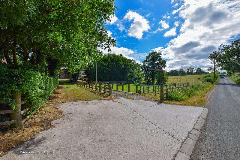 Land Commercial for sale in Large Farm with 62 Acres - Massey Brook Lane, Lymm, WA13