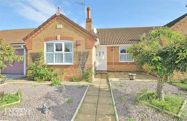 2 Bedrooms Semi Detached Bungalow for sale in Angelica Drive, Spalding, Lincolnshire