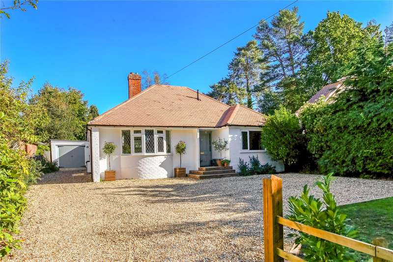4 Bedrooms Detached Bungalow for sale in Finchampstead Road, Finchampstead, Wokingham, Berkshire, RG40
