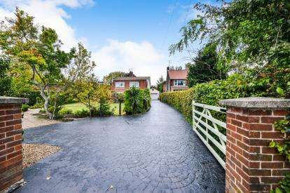 4 Bedrooms Detached House for sale in Station Road, Sutton-In-Ashfield, Nottinghamshire, Notts