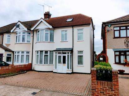 4 Bedrooms End Of Terrace House for sale in South Hornchurch, Essex