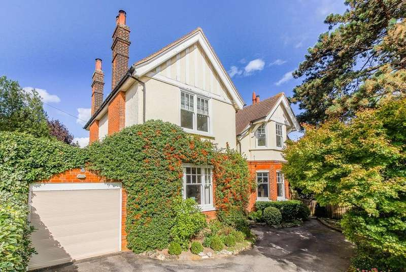 6 Bedrooms Detached House for sale in Hartland Road, Epping