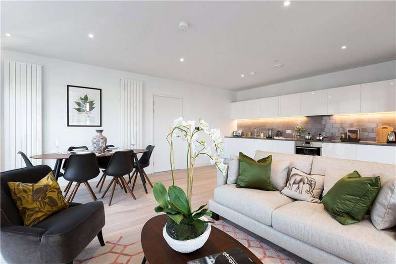 4 Bedrooms Flat for sale in Royal Wharf, London, E16