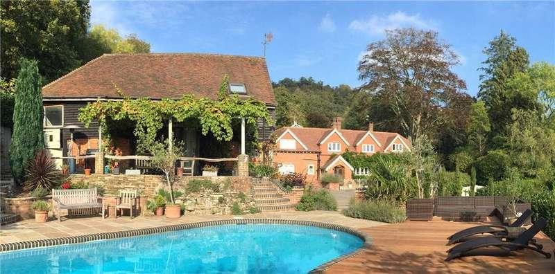 5 Bedrooms Detached House for sale in Horse Block Hollow, Cranleigh, Surrey, GU6