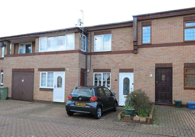 4 Bedrooms Terraced House for sale in Richardson Place, Milton Keynes