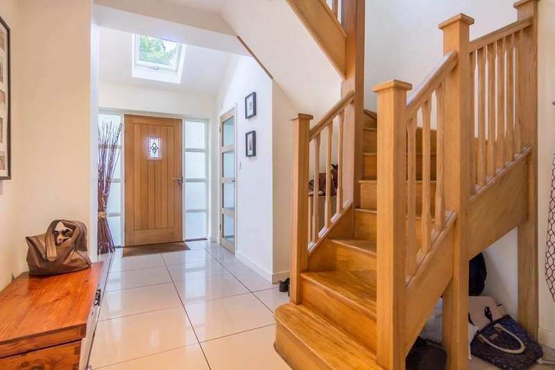 4 Bedrooms Detached House for sale in Hinckley Road, Nuneaton