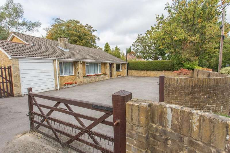 3 Bedrooms Bungalow for sale in LOCKS RIDE, ASCOT, SL5 8QZ. HUGE POTENTIAL