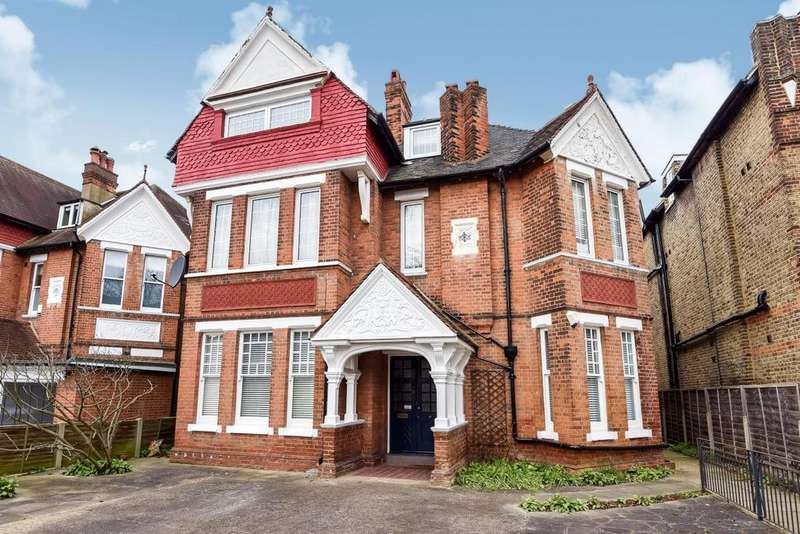 2 Bedrooms Flat for sale in West Park, Mottingham