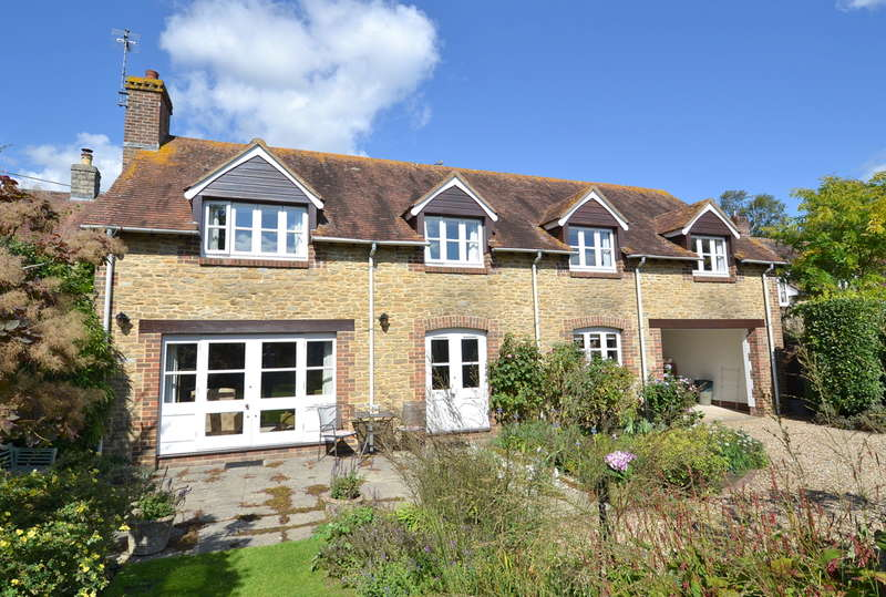 4 Bedrooms Detached House for sale in South Cheriton, Somerset, BA8