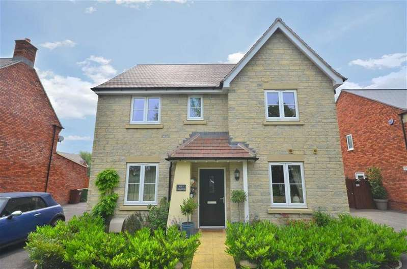 4 Bedrooms Detached House for sale in Zura Drive, Cheltenham, Gloucestershire