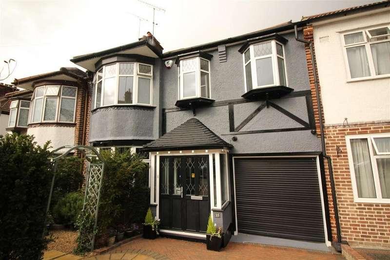 3 Bedrooms Semi Detached House for sale in Hillside Gardens, London