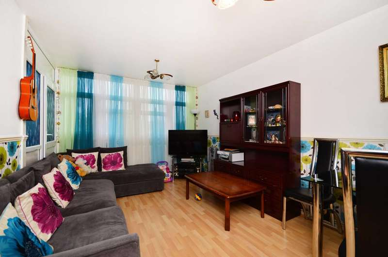 3 Bedrooms Flat for sale in Cable Street, Shadwell, E1