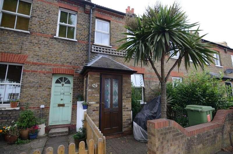 2 Bedrooms Terraced House for sale in Green Lane, New Eltham SE9 2AP