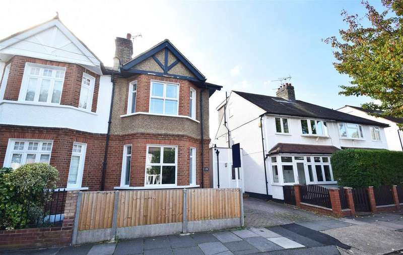 4 Bedrooms Semi Detached House for sale in Chudleigh Road, Twickenham
