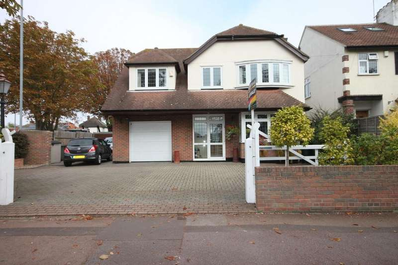 4 Bedrooms Detached House for sale in Prittlewell Chase, Westcliff-on-Sea