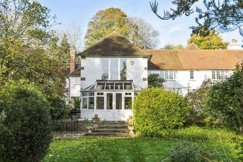 6 Bedrooms Terraced House for sale in Puttenham Heath Road, Puttenham, Godalming