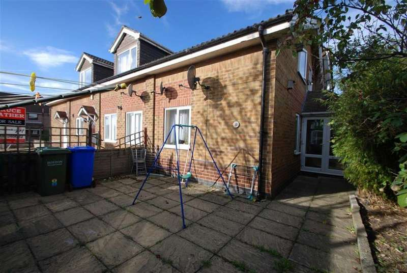 2 Bedrooms Terraced House for sale in Newton Court, London Road, Boston