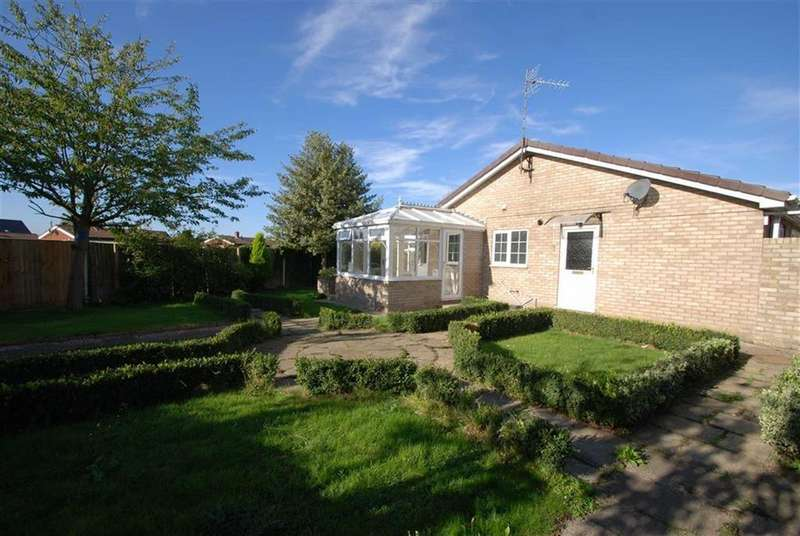 2 Bedrooms Semi Detached Bungalow for sale in Maple Way, Donington, Spalding