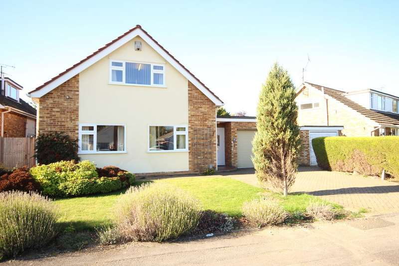 4 Bedrooms Detached House for sale in Windmill Avenue, Wokingham RG41