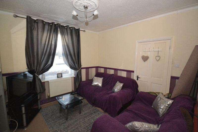 1 Bedroom Terraced House for sale in Queen Street, Kingswood, Bristol